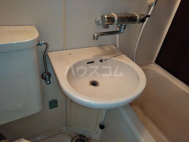 プロバンス 207号室の洗面所