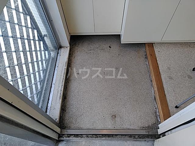 プロバンス 207号室の玄関
