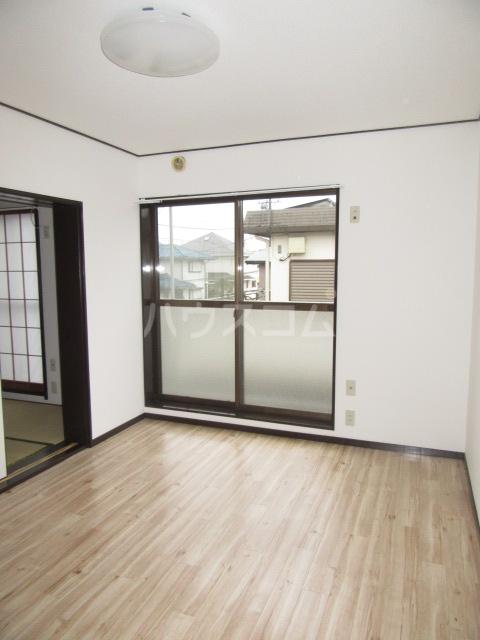 ハイム石川 201号室の居室