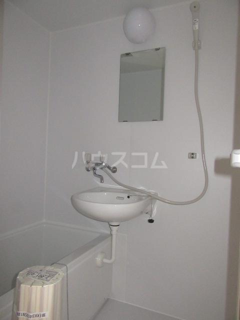 ハイム石川 201号室の風呂