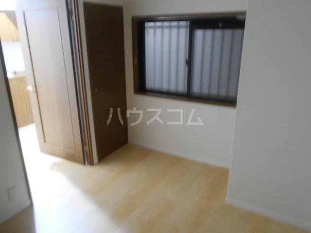 スカイパレス東戸塚 505号室のリビング