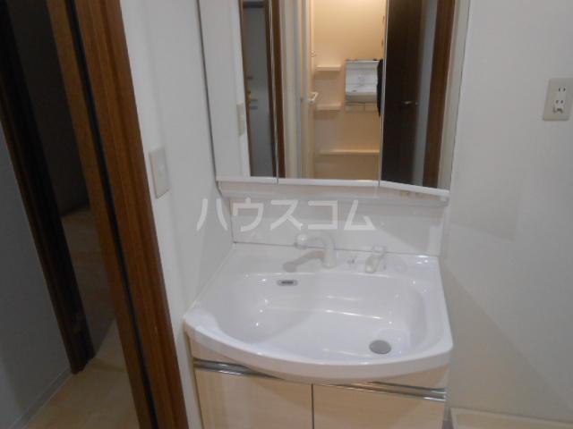 スカイパレス東戸塚 505号室の洗面所