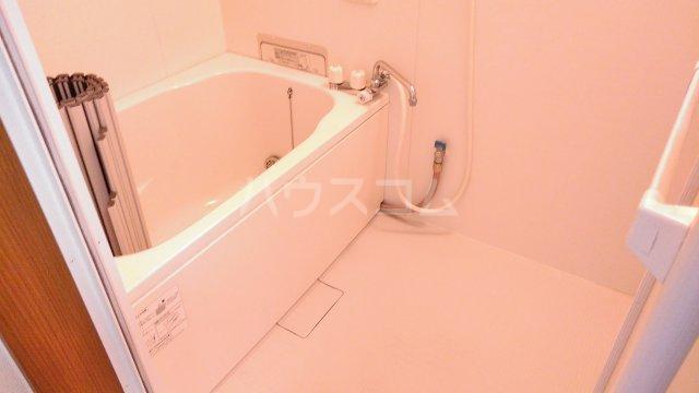 あけぼのハイツ 1-A号室の風呂
