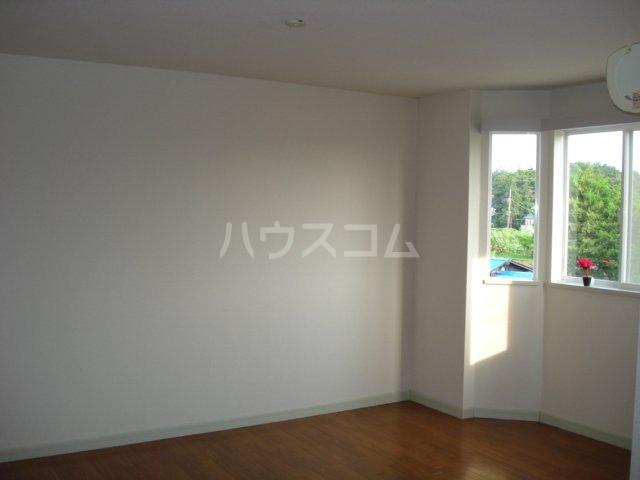ガーデンハイツ 201号室の居室