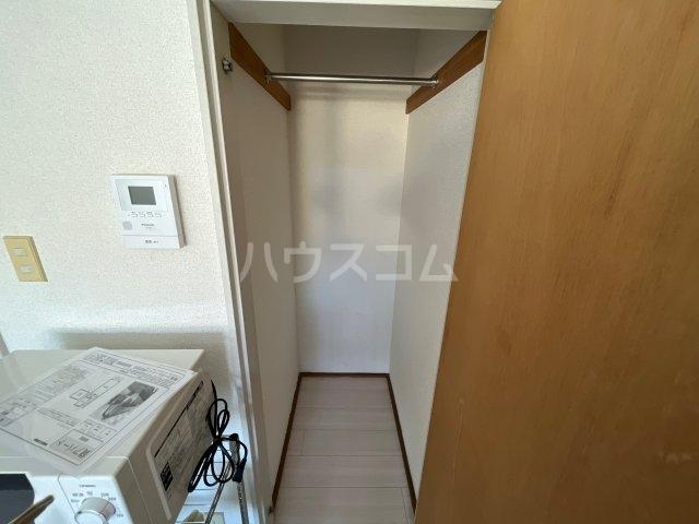 メゾン・アイリスⅡ 203号室の収納