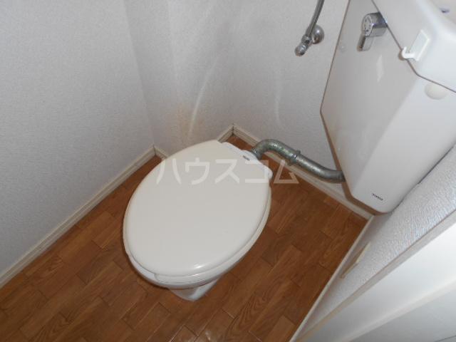 アクシス 103号室のトイレ
