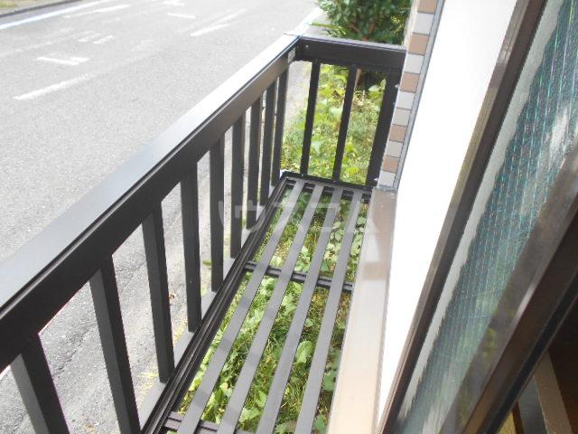 横浜元町ガーデンⅢ 101号室のバルコニー