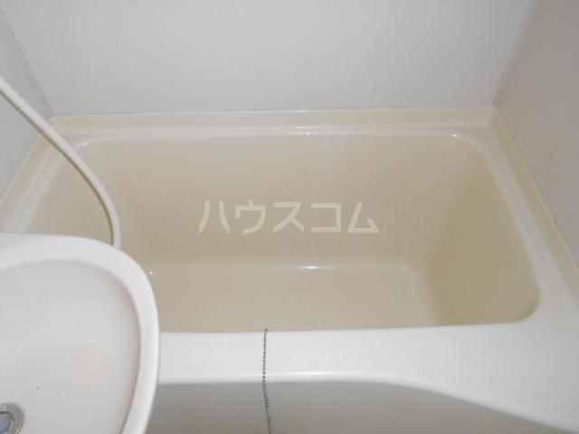 横浜元町ガーデンⅢ 101号室の風呂
