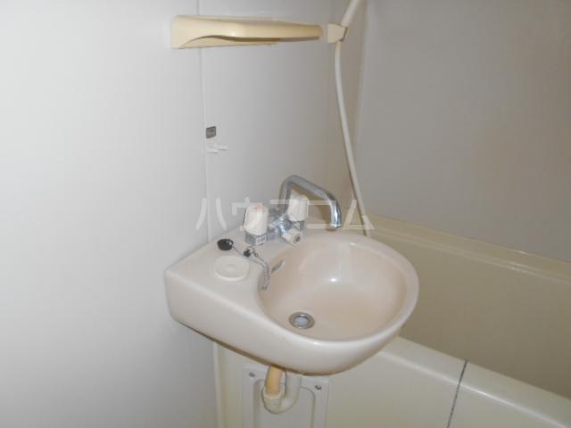 横浜元町ガーデンⅢ 101号室の洗面所
