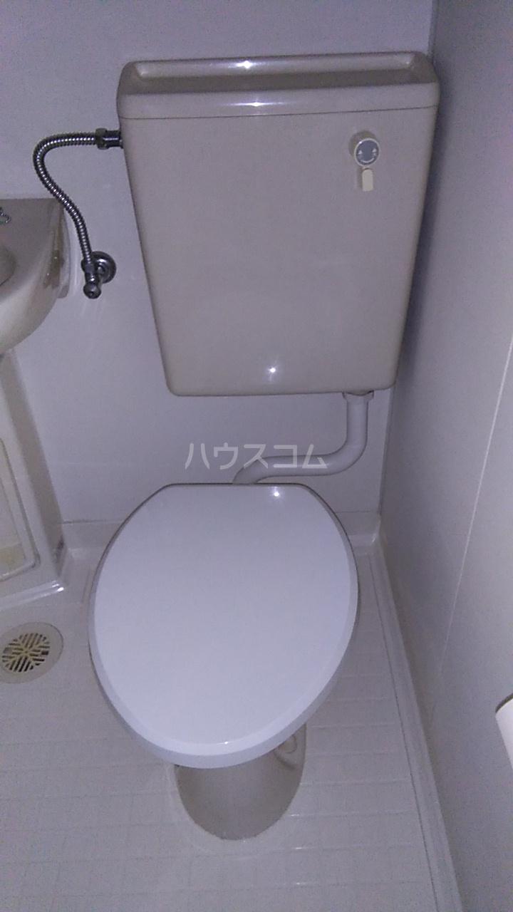 サンヒルズ上大岡 A209号室のトイレ