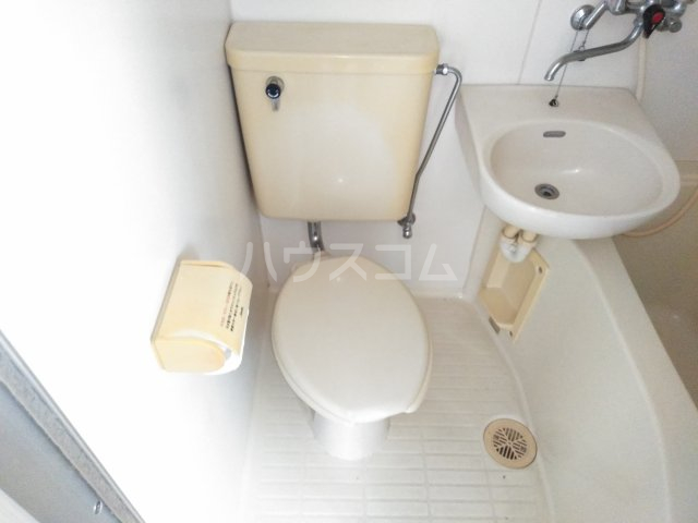 ファーストメゾン 101号室のトイレ