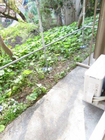 山荘村田 103号室のバルコニー
