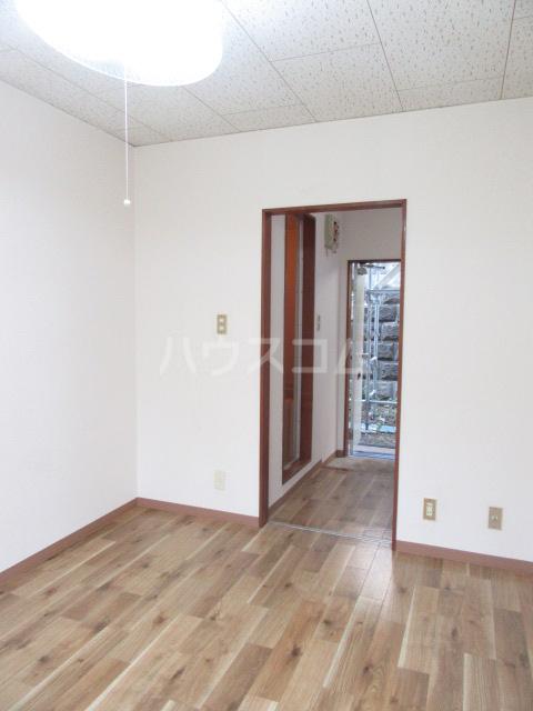 山荘村田 103号室の居室
