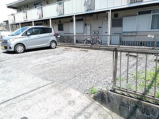 コーポ大貫 202号室の駐車場