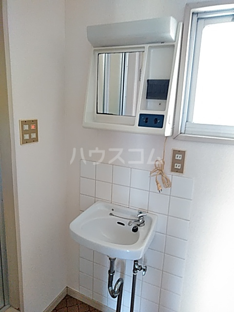 コーポ大貫 202号室の洗面所