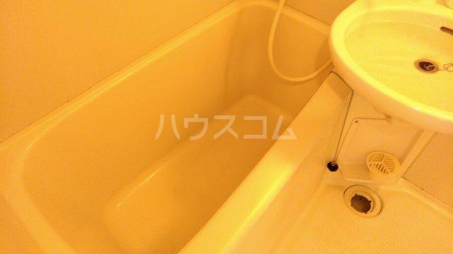 第二喜楽ハイツ 305号室の風呂
