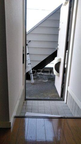 カーサDナルセ 101号室の玄関