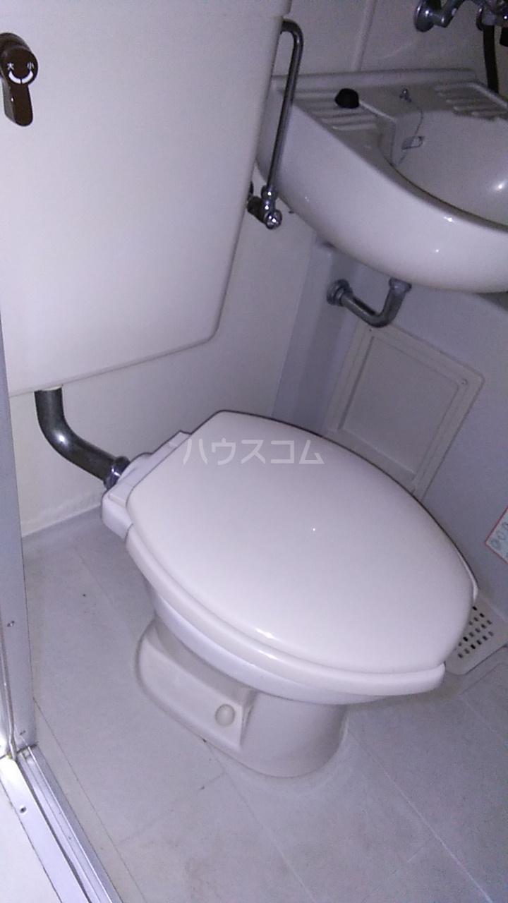 ルナ・レガーロ 101号室のトイレ