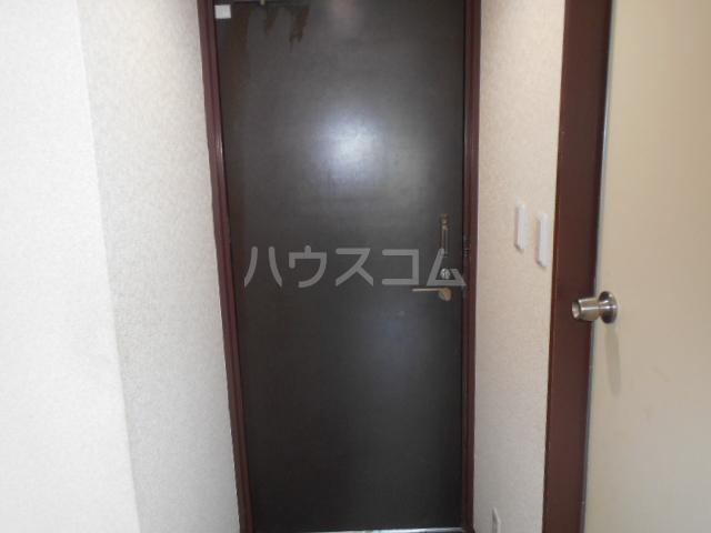 グリーンヒルズ戸塚 303号室の玄関