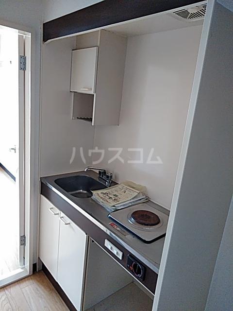 セザール第2鶴間 103号室のキッチン