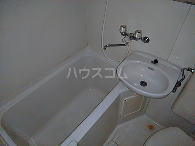 セザール第2鶴間 103号室の風呂
