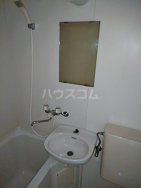 セザール第2鶴間 103号室の洗面所