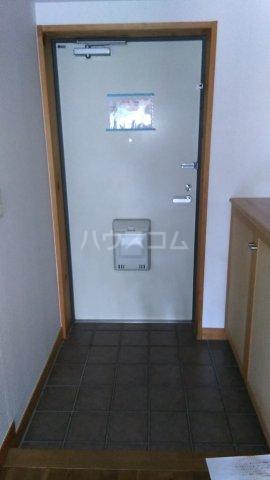 シェ・ノートフ桑原台 103号室の玄関