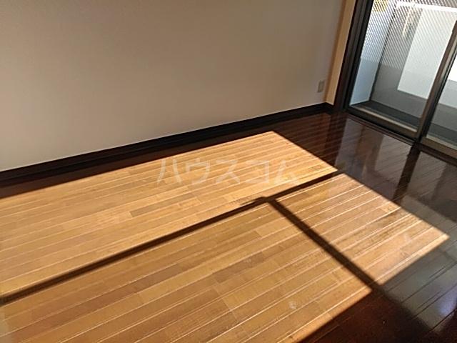 エスコート横浜関内 401号室の収納