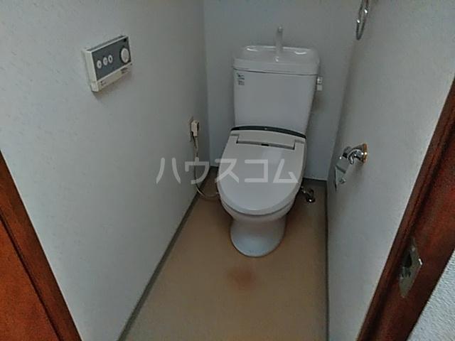 エスコート横浜関内 401号室のトイレ