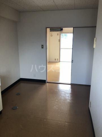 アメニティセゾン菊川 302号室のリビング