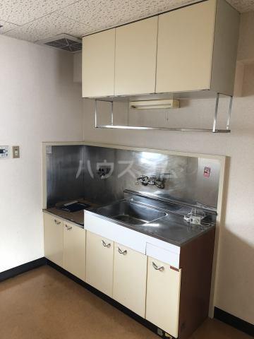 アメニティセゾン菊川 302号室のキッチン