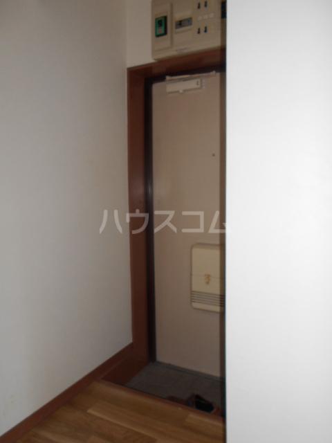 CSEハイツ林間 203号室の玄関