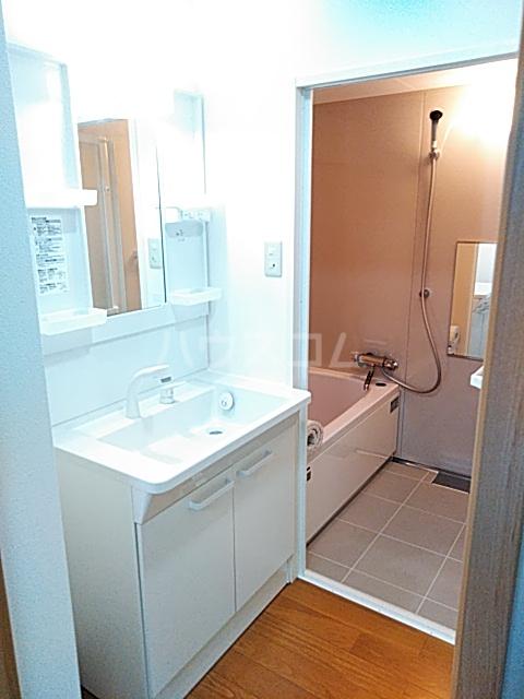 コーポ美々 101号室の洗面所