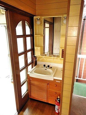 鎌倉様貸家 2号室の洗面所