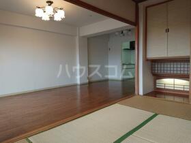 ネオコーポ戸塚舞岡 127号室のベッドルーム