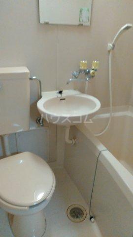 ヴェルデン花の木 201号室のトイレ
