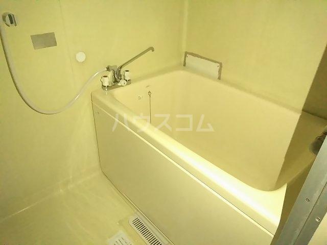 ツルコーポ 202号室の風呂