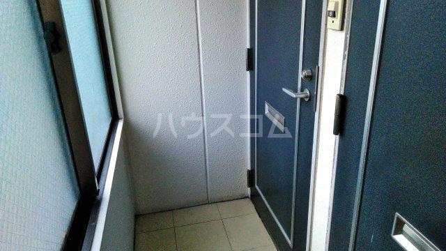 髙松ビル 402号室の玄関