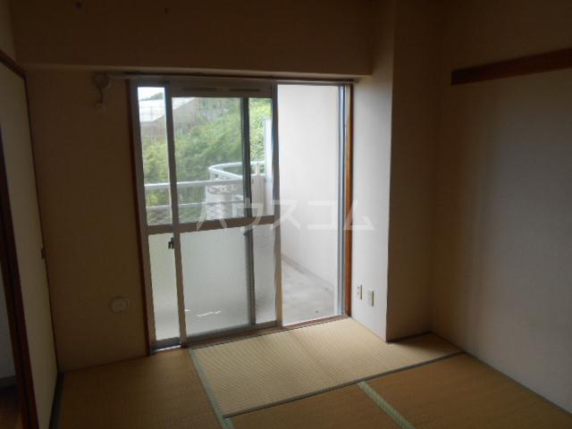 アイランドマンション大阪台 304号室の居室