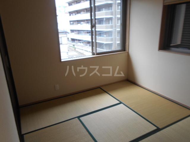 戸塚町一戸建の居室
