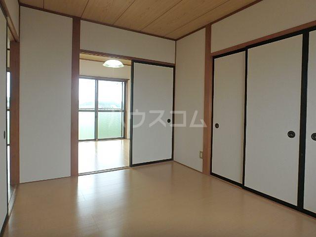 コーポ若葉Ⅱ 302号室の居室