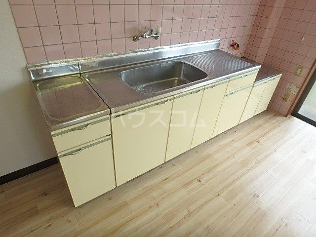 コーポ若葉Ⅱ 302号室のキッチン