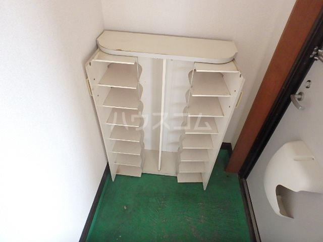 コーポ若葉Ⅱ 202号室の玄関