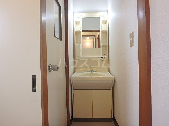 コーポ若葉Ⅱ 202号室の洗面所
