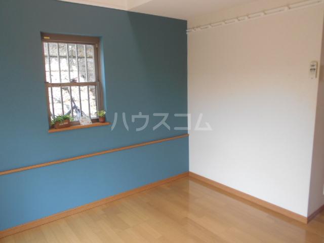 ソフィア戸塚 101号室の居室