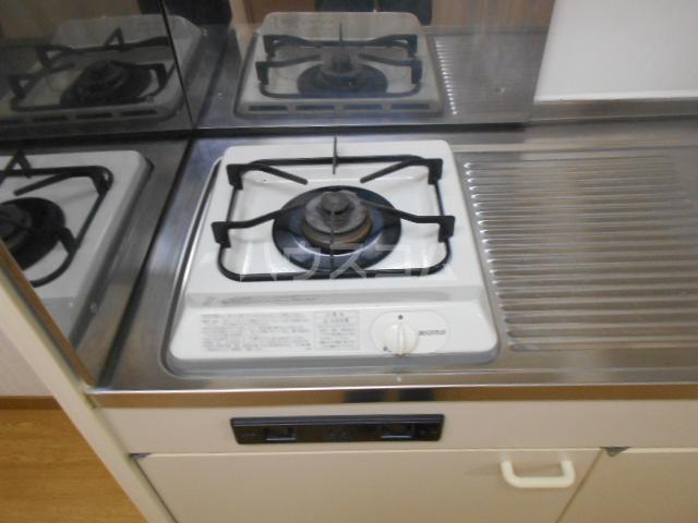 イーストヒル美濃 202号室のキッチン