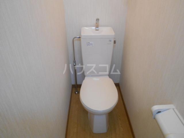 イーストヒル美濃 202号室のトイレ