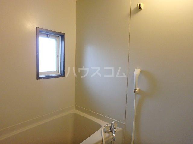 サンビレッジOGASA E棟 203号室の風呂
