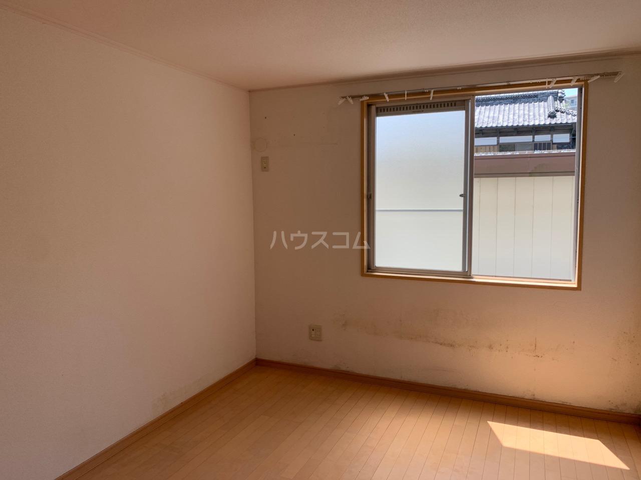 第三代田ハイツ 102号室の居室
