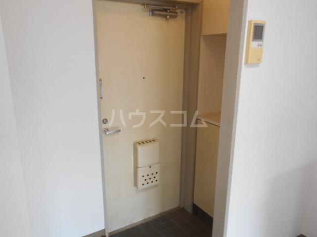 第3野本ビル 111号室の玄関